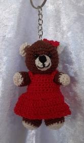 Gehäkelter Bär als Schlüsselanhänger oder Taschenbaumler - Handarbeit kaufen