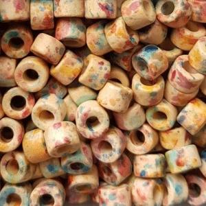100 Keramikperlen Röhrchen Zwischenstück RM1605 creme-blau-pink monet