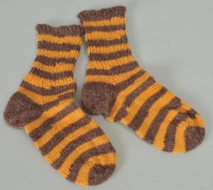 Kindersocken Tigerente handgestrickt Wolle gelb-braun geringelt Gr. 26/27 kaufen - Handarbeit kaufen