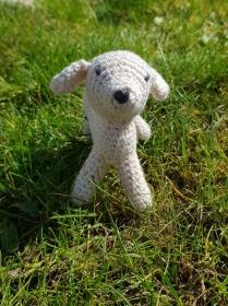 Gehäkelter Hund aus Bio-Baumwolle und Schafwolle