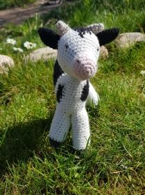 Gehäkelte Kuh aus Bio-Baumwolle und Schafwolle