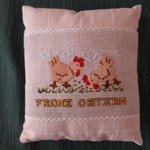 Deko - Kissen mit handgesticktem Ostermotiv