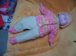 Puppen-Ausfahrgarnitur 4 Teile  Gr.50, Strickset, Jacke, Mütze, Socken, Hose