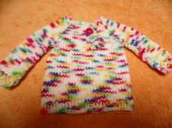 Pullover für Puppen 30 - 40 cm. Hier biete ich einen liebevoll gestrickten Puppenpullover an.