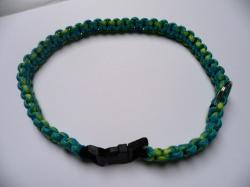 Handgeflochtenes Hundehalsband mit Cobra-Knoten 50 cm lang und 2 cm breit aus Paracord Seilen