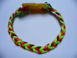 Handgeflochtenes Hundehalsband mit Zopfknoten 32 cm lang und 1 cm breit aus Paracord Seilen