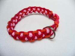 Handgeflochtenes Hundehalsband mit Cobra-Knoten 34 cm lang und 2 cm breit aus Paracord Seilen