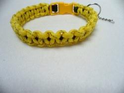 Handgeflochtenes Hundehalsband mit Cobra-Knoten 30 cm lang und 2 cm breit aus Paracord Seilen in gelb