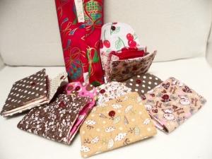 Kleine Geldbörsen  mit Reißverschluss, auch mit Kindermotiven, Notfalltäschchen, Schmucktasche, Allzwecktasche und vieles mehr.