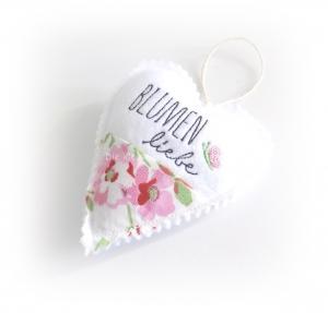 Stoffanhänger Herz, Herz zum aufhängen, Dekoration, Blumen Liebe - Handarbeit kaufen
