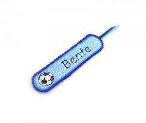 Lesezeichen aus Filz und Baumwolle mit aufgesticktem Fußball - Handarbeit kaufen