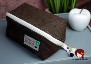 Geräumige Kulturtasche aus gestepptem Canvas, Baumwolle mit Reißverschluss, braun, auch für Herren - Handarbeit kaufen