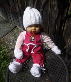 Komplettset für Neugeborene, Mütze, Handschuhe und Schuhe.