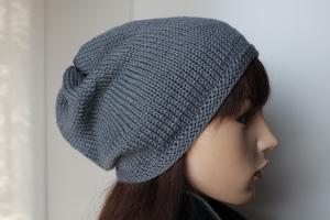 Beanie für Frauen aus reiner weicher Wolle in uni grau Strickmütze weich flanellgrau handmade handgestrickt beidseitig tragbar - Handarbeit kaufen