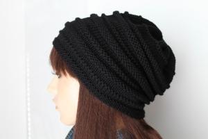 Schwarze freestyle Strickmütze aus reiner weicher Wolle handgestrickt Beanie Mütze schwarz handmade ConniKie - Handarbeit kaufen