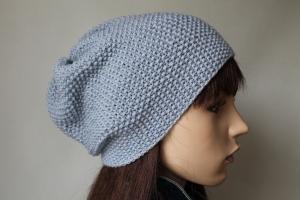 Hellblaues Beanie aus reiner weicher Wolle im Perlmuster gestrickt für Damen und Teens Mütze handmade handgestrickt Strickmütze Wollmütze neu - Handarbeit kaufen