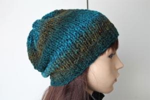 Aus 100% Schurwolle von Hand gestrickte Mütze für Damen Wollmütze handgestrickte Mütze  handmade Beanie Farbverlaufsmütze neu - Handarbeit kaufen