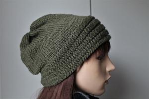 Strickmütze für Damen in oliv-grün aus einem Merinomix von Hand gestrickt handmade  Mütze Frauen oliv weich neu handgestrickt - Handarbeit kaufen