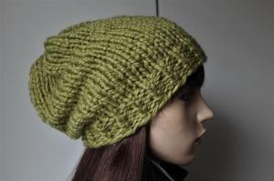 Wintermütze für Frauen in hellgrün weich dick Strickmütze grün handmade handgestrickt Mütze Beanie neu schlicht uni - Handarbeit kaufen
