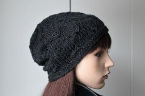 Aus edlem Seiden-Schurwollegemisch gestrickte weiche Mütze für Damen in anthrazit Mütze Strickmütze neu Beanie hochwertig - Handarbeit kaufen