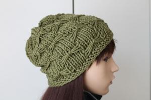 Strickmütze aus weicher Merinowolle für Damen handmade handgestrickt neu oliv Mütze Beanie Wollmütze weich dick warm Winter - Handarbeit kaufen