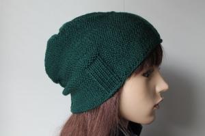 Wollmütze in dunkelgrün aus reiner Merinowolle von Hand gestrickt für Frauen und Männer stylish mit Streifen Muster Beanie Strickmütze Mütze  - Handarbeit kaufen