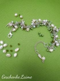 Armband mit Süßwasserperlen,Glasperlen und Silberanhänger.Schmuckdesign.Perfekte Geschenk für einen besonderen Menschen!