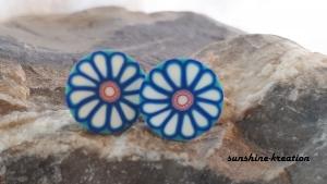 Blumen-Ohrstecker 9mm blau-weiß Fimo - Handarbeit kaufen