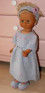 Zuckersüßes Babyset, mit Blümchen-Kleid, Haarband und Spangenschuhen, in zart Grau und Rosa für Mädchen, 0-3 Monate