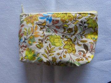 Kulturtasche aus Baumwollstoff  hellgrau mit abstraktem Blumenmuster  - Handarbeit kaufen
