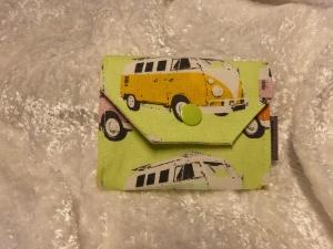 kleine Geldbörse mit Reißverschlussfach aus Stoff  hellgrün mit Kleinbus - Handarbeit kaufen