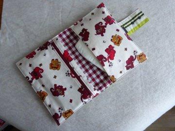 Handgefertigte kleine Windeltasche für Unterwegs aus Baumwollstoff  mit Elefanten - Handarbeit kaufen