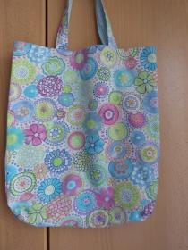 Wendetasche / Einkaufstasche aus Baumwollstoff - helle bunte Blumenmuster