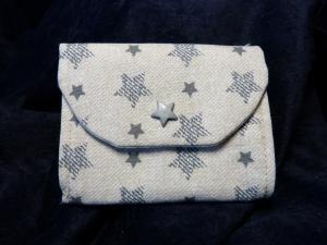 kleine Geldbörse aus Baumwollstoff mit Reißverschlussfach mit grauen Sternen - Handarbeit kaufen
