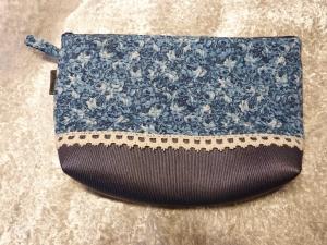 Kulturtasche Baumwollstoff  genäht - blaue Blumen  - Handarbeit kaufen