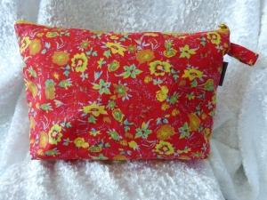 Kulturtasche Baumwollstoff  genäht - rot mit gelben Blumen