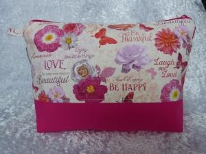 Kulturtasche Baumwollstoff  genäht - pink mit Blumen und Schmetterlingen - Handarbeit kaufen
