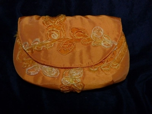 Allzwecktäschchen / Clutch aus Satinstoff in Orange mit Magnetverschluß - Handarbeit kaufen