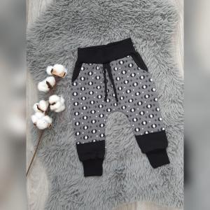 Pumphose / Mitwachshose / Babyhose Gr80 mit Hosentaschen - Jersey  Pfeile grau - Handarbeit kaufen