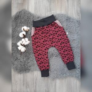 Pumphose / Mitwachshose / Babyhose Gr86 mit Hosentaschen - Jersey Kleckse beere - Handarbeit kaufen