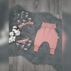 Newborn Set Babyhose/Pumphose, Babymütze & Halstuch  - Jersey Bambi /Streifen rosa - Handarbeit kaufen