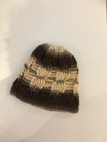 Wintermütze flauschig warm gehäkelt mit Verlaufswolle - Handarbeit kaufen