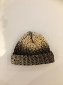 Wintermütze flauschig warm gehäkelt mit Verlaufswolle