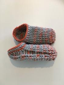 Puschen / Hausschuhe / gehäkelt 23 / 25 - Handarbeit kaufen