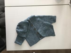 Baby-Jacke mit Kapuze im Set oder Einzeln gehäkelt