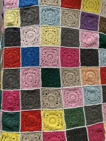 Granny Square Babydecke aus Baumwolle gehäkelt - jetzt bestellen :))