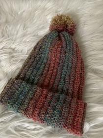 Mütze mit Bommel gehäkelt in einer tollen Herbstfarbe für Kinder - Handarbeit kaufen