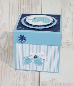 Eine besondere schöne Explosionsbox zur Geburt für einen Jungen