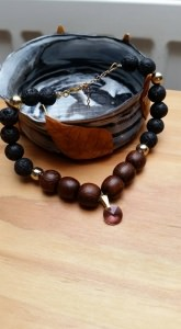 Lava- und Ebenholz - Perlenarmband- Naturperlen- Holzperlen- Swarovski