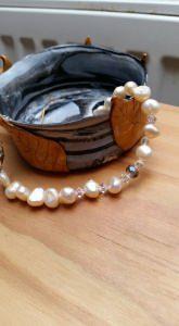 Süßwasser Perlenschmuck- Armband- Muschelkern- zarter creme Ton